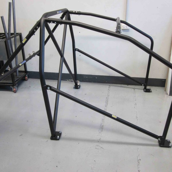 AGI - Holden Commodore VE (Gen 4) - CAMS 2015 Bolt-in Roll cage - Option C (pic #1)