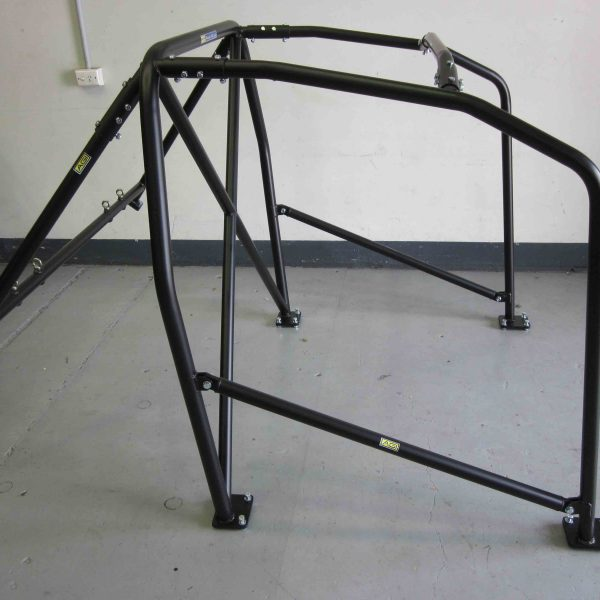 AGI - VW Golf Mk5 - 2015 CAMS State level Roll cage (floor pic - side)