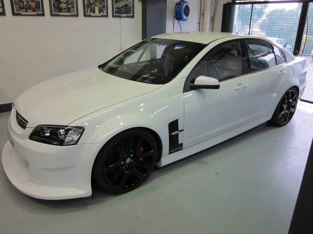 h ve commodore full cage 6 point weld in agi