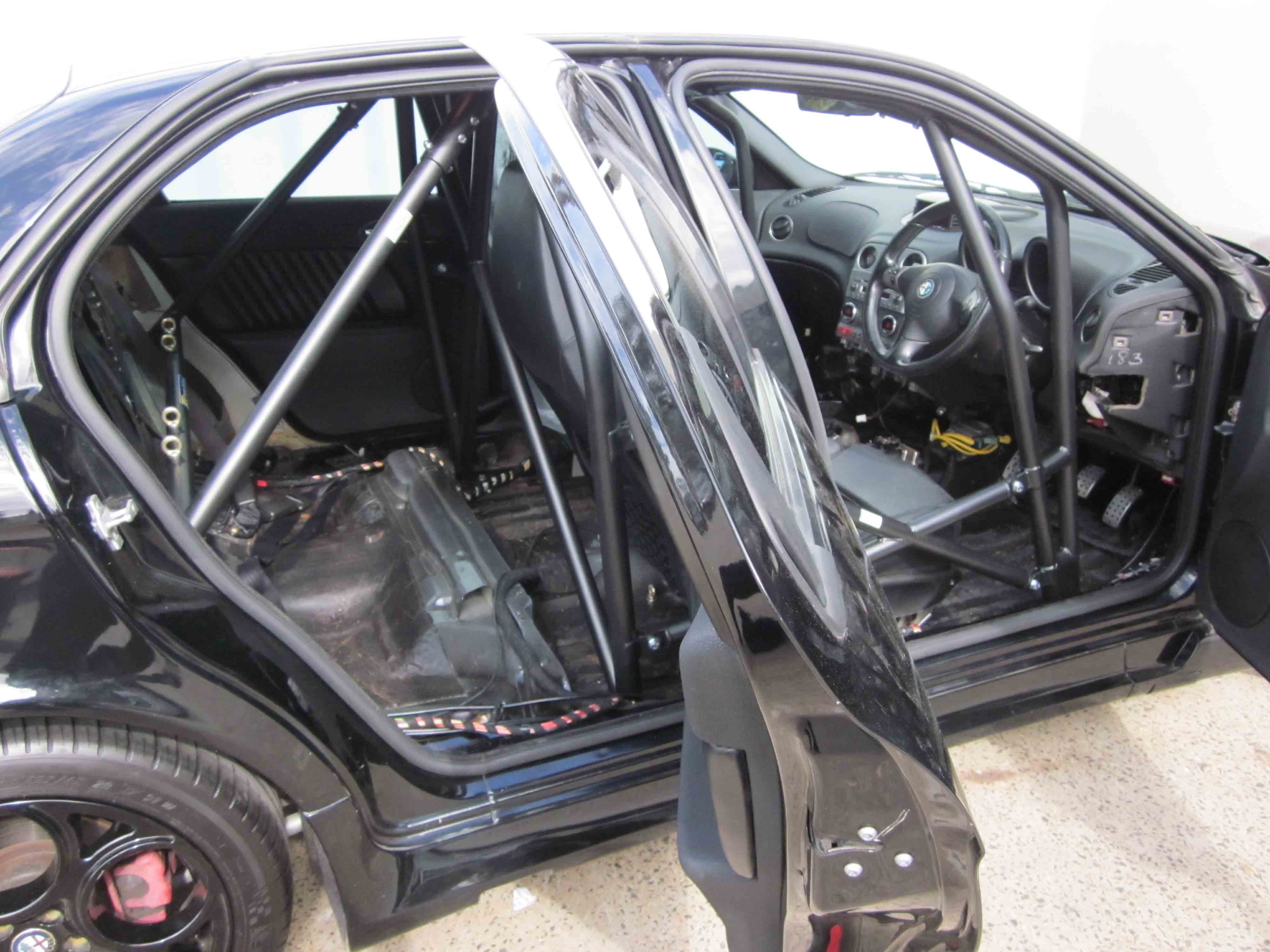 F Alfa 156 Full Cage 6pt Bolt In Agi Roll Cages