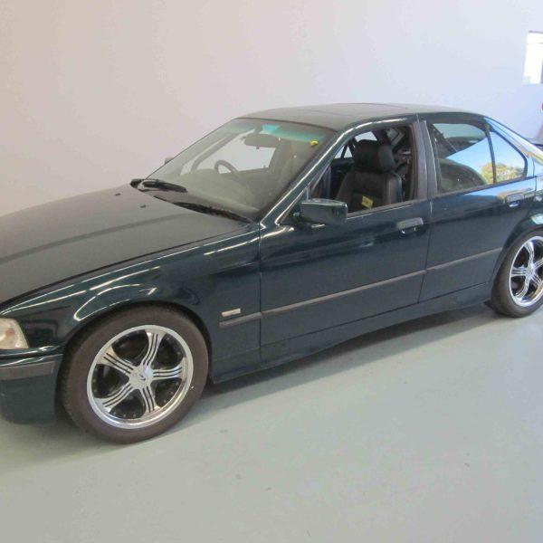 BMW E36 - 4 dr