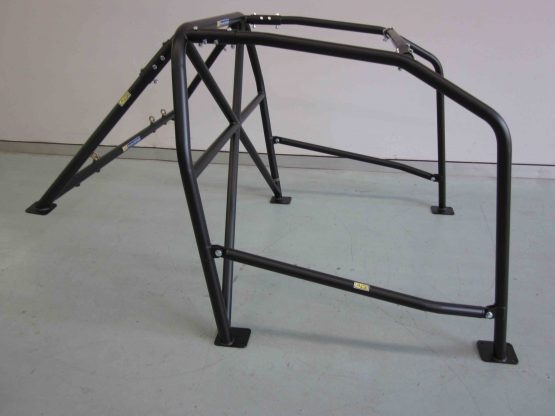 AGI - Nissan Skyline R32 - 2017 CAMS spec State level Bolt-in Roll cage - Option C (floor pic - side)
