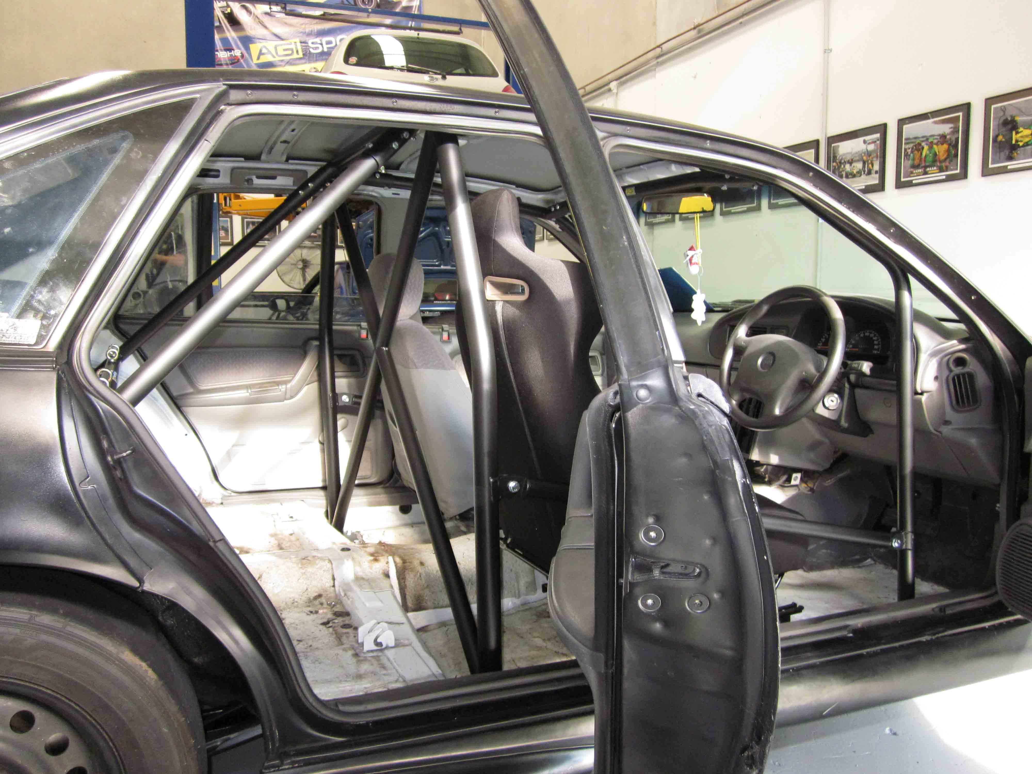 C Holden Commodore Gen 2 Vn Vp Vr Vs Full Cage 6