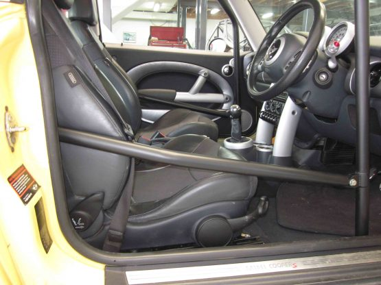 Mini (BMW) - CAMS Bolt-in Roll cage - Option C