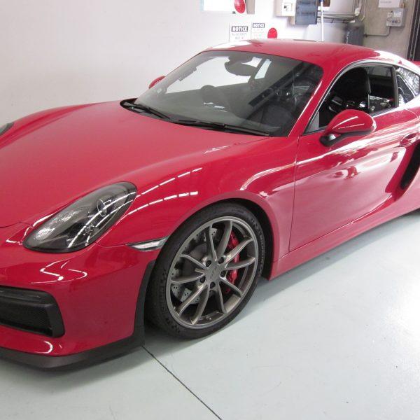Cayman GT4